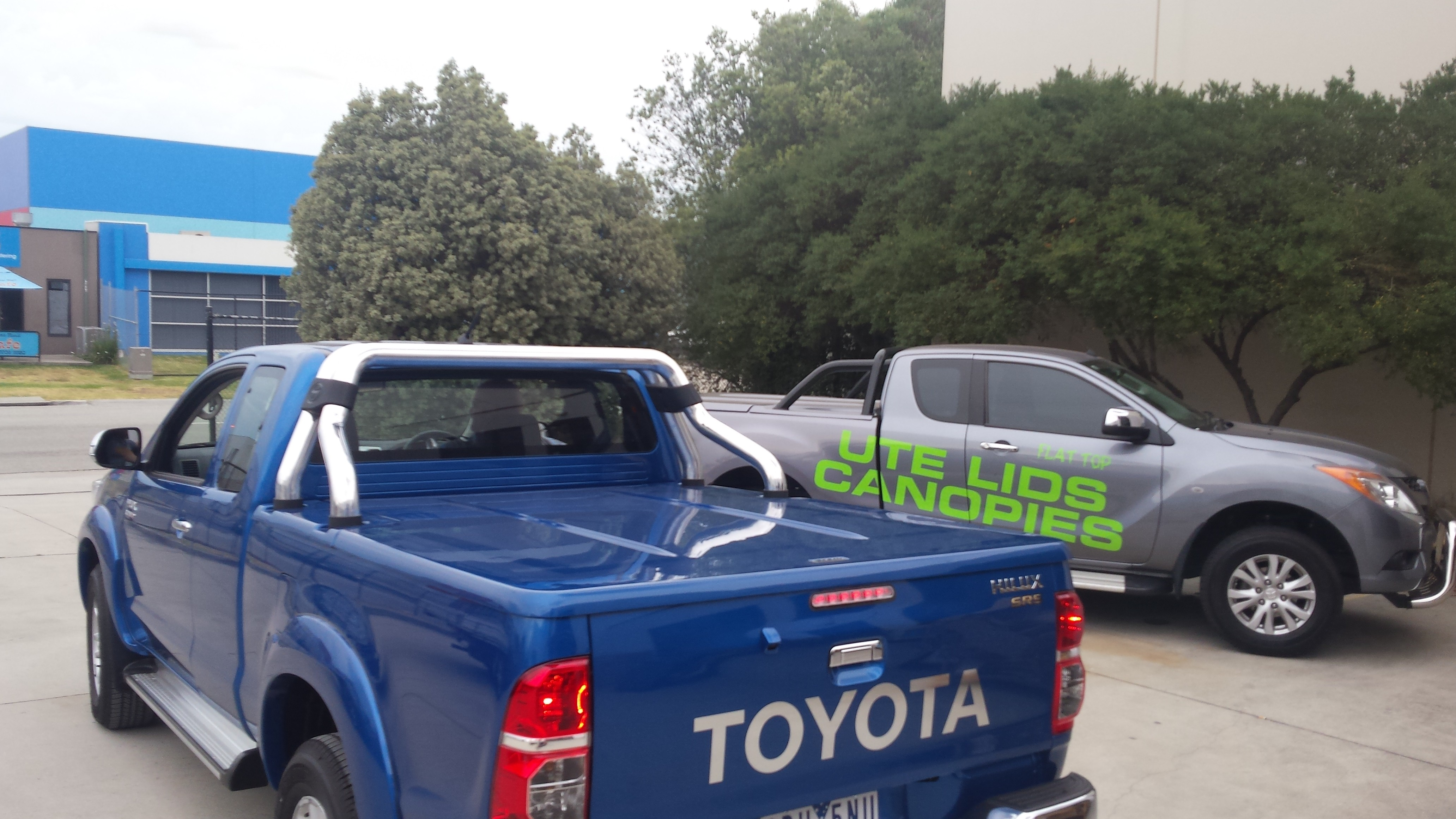 """Toyota Hilux  -N70 _SR5"""" Extra Cab"""" Cover  - Auto Remote  actuation and lock down"""