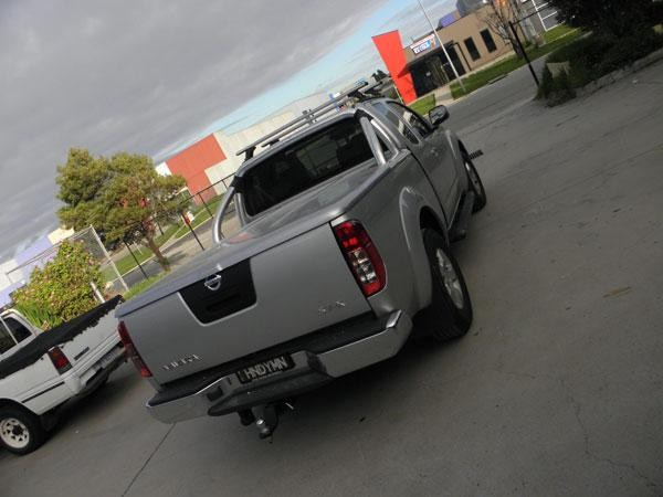 Nissan Navara D40 King Cab Flat Top(manual locking)
